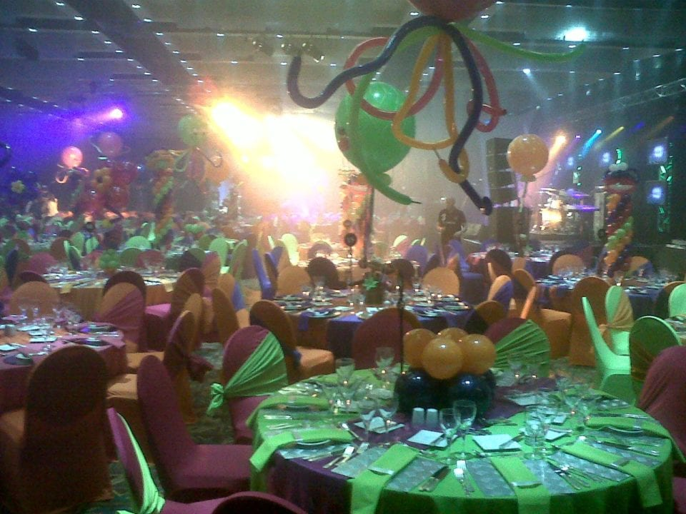 Event with huge centre-pieces